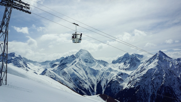 Ski lift Photo by Stella Caraman